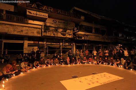 download mp3 didi kempot pasar klewer mahasiswa dan pedagang pasar klewer menyalakan lilin saat