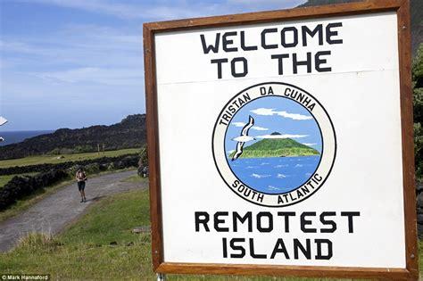 offerte di lavoro piastrellista svizzera offerta di lavoro sull isola pi 249 remota mondo tristan