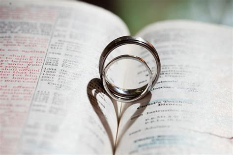 Wedding Ceremony In The Bible by 10 Meaningful Touches For Your Ceremony Huffpost