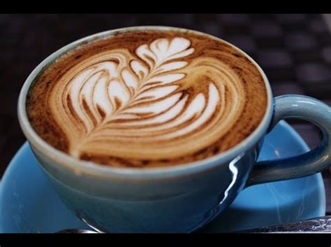 how to make designs on coffee how to make free pour latte art easily on no crema coffee