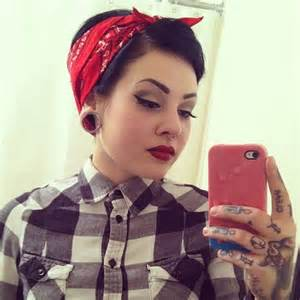 Chola tattoo girl picture lovely red lips hand tattoos this girl
