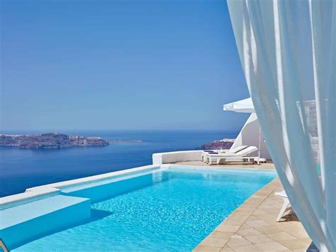best luxury hotels santorini where to stay in santorini best areas to stay in