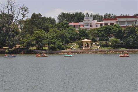 boat house yelagiri hairpin bends on the way to yelagiri picture of yelagiri