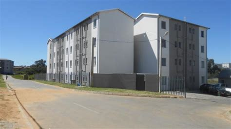 2 bedroom flat to rent in johannesburg 2 bedroom flat in fleurhof to rent is available r3 600