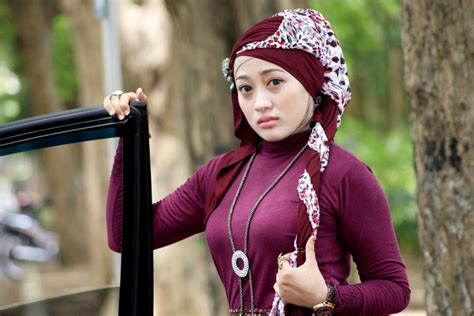 Jilbab Bagus foto wanita cantik asli indonesia trending topics