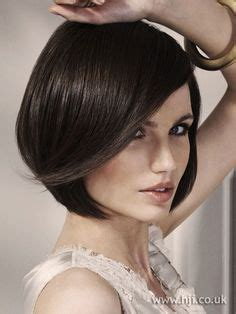 how to style hair just below chin just below chin length hairstyles short hairstyle