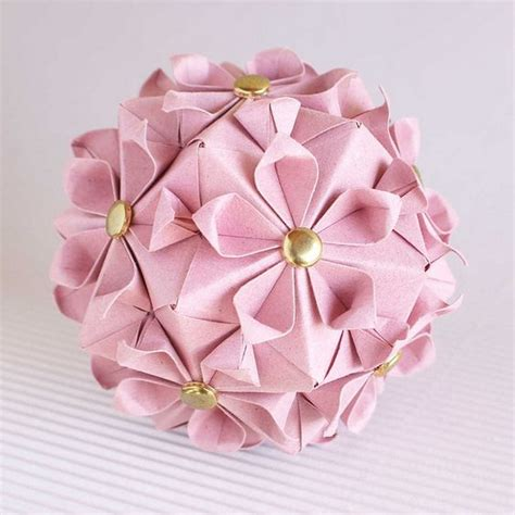 Japanese Flower Origami - kusudama japan style paper folding