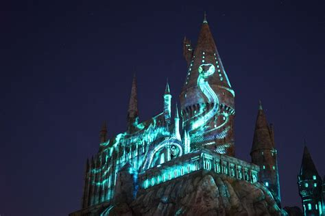 nighttime lights at hogwarts review the nighttime lights at hogwarts castle inside