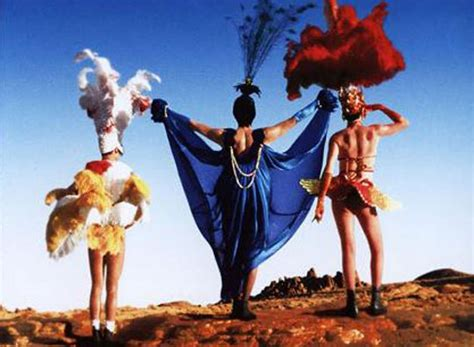 film priscilla queen of the desert world cinema review stephan elliot the adventures of