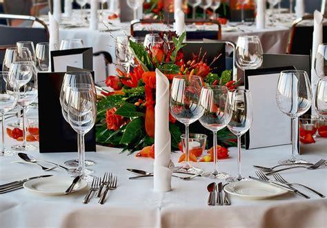 tavola ben apparecchiata apparecchiare la tavola con classe per una cena elegante e