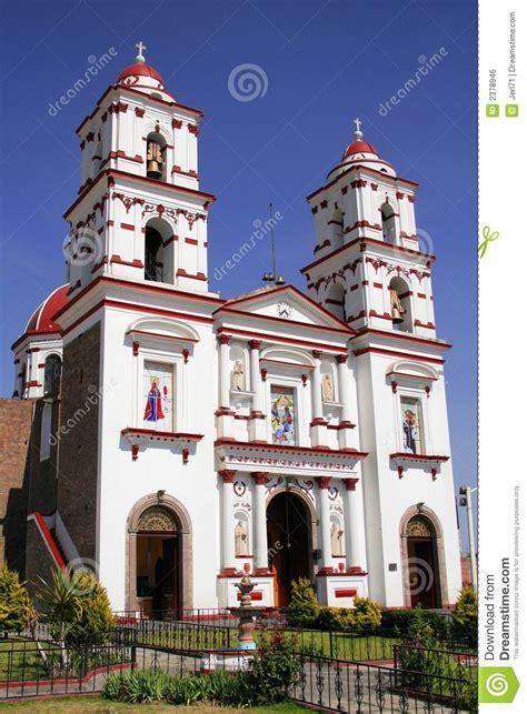 imagenes de iglesias antiguas iglesia de cacalomacan foto de archivo imagen de belfries