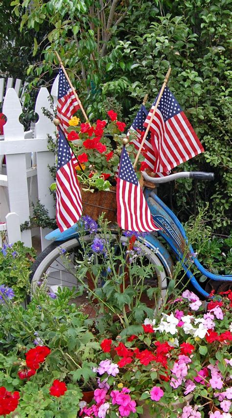 Patriotic Garden Decor Patriotic Decor White And Blue On Pinterest Memorial Day Fourth Of July And Flags
