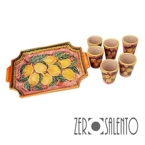 bicchieri limoncello bicchieri limoncello o liquore in terracotta dipinto con