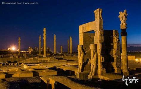 themes present in persepolis persepolis at night iran iran s historical places