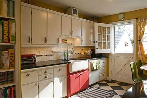 cape cod kitchen ideas s cheery cape cod kitchen hooked on houses