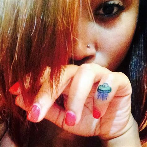 zonnique pullins tattoo behind ear celebrity hand tattoos steal her style