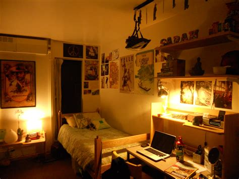 cool guy rooms dorm room idea for guys with cool wall decoration also