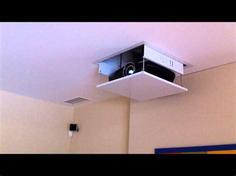 Installation Ecran Videoprojecteur by Installation D Un 233 Cran Et Vid 233 Oprojecteur