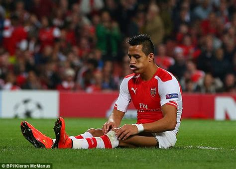 alexis sanchez knee injury alexis sanchez found the net for arsenal but is no