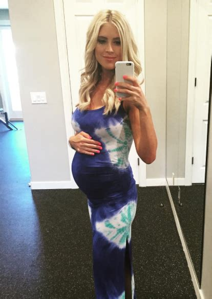 new pictures of 5 mos pregnant christina al moussa did tarek and christina el moussa have their baby