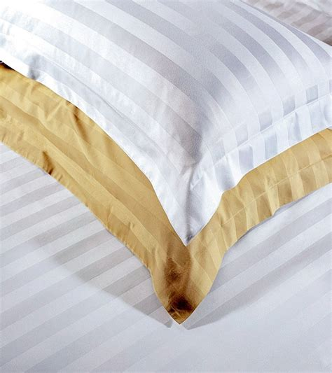 good sources for reasonably priced bed linens good questions apartment therapy hotel bedding set bed linen bedsheet bed sheet buy hotel