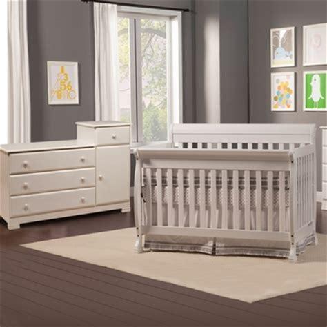 Davinci Kalani Crib And Changer Combo by Da Vinci 2 Nursery Set Kalani Convertible Crib Combination Changer White Free