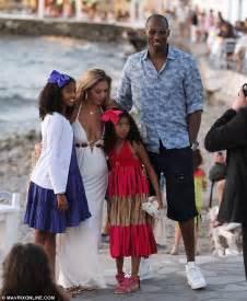 Their big fat greek vacation kobe bryant enjoys a relaxing holiday