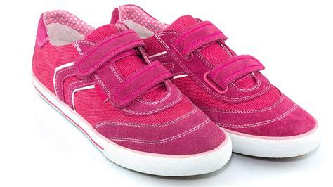 sandals for arthritic rheumatoid arthritis friendly footwear how to find the