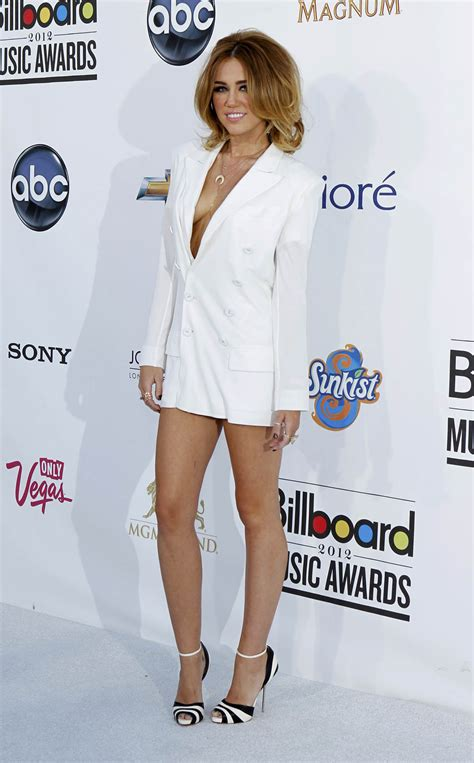 music awards 2012 video miley cyrus 2012 billboard music awards in las vegas