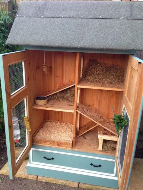 Handmade Rabbit Hutches - its a rabbits do it yourself rabbit hutches