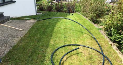 eine unterirdische wasserleitung zur gartenbewaesserung