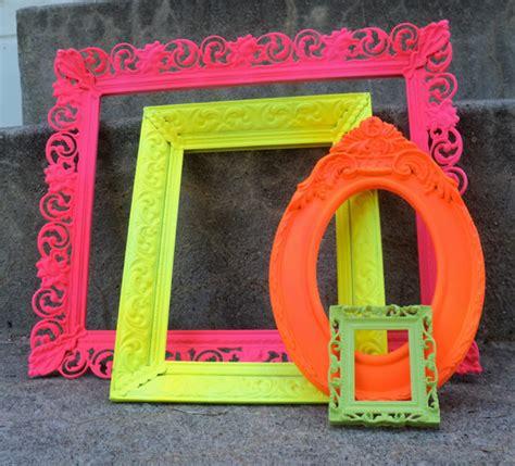 cornici in plastica per quadri diy cornici fluo sfizzy