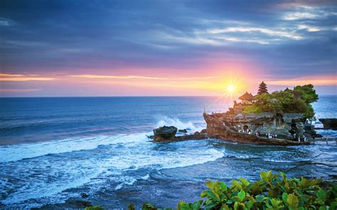 wallpapers tanah lot temple  sunset uluwatu