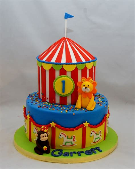 carnival themed cakes children cakes cupcakes