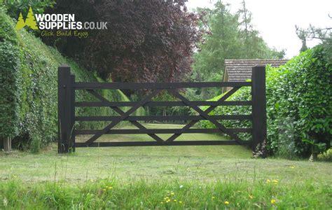 buy  wooden  bar field gate  paint  black