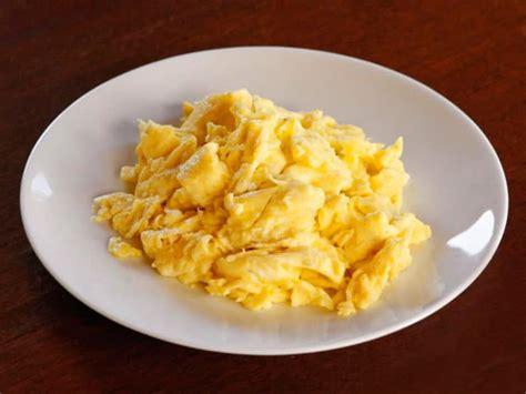 scrabbled egg how to make fluffy moist scrambled eggs recipe tutorial