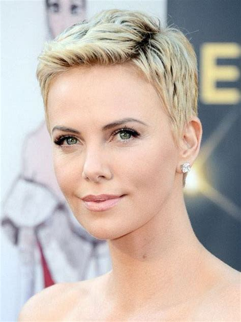 pixie haircuts for ladies with round faces and high cheekbones short pixie haircuts for round faces