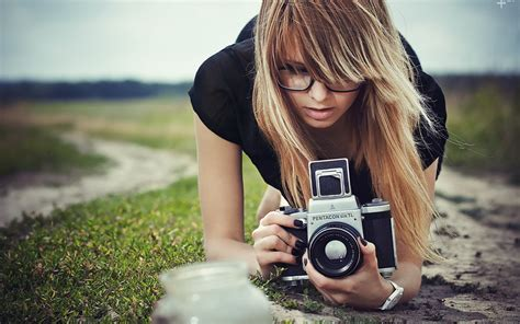 wallpaper camera girl 壁紙画像 187 カメラを構える i hold a camera