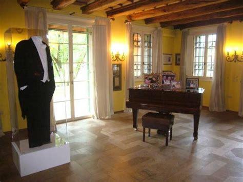 interno casa interno casa pavarotti foto di casa museo luciano