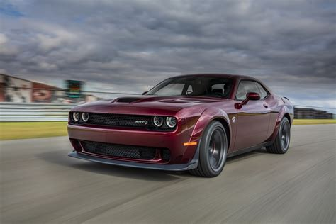 widebody hellcat dodge reveals 2018 challenger srt hellcat widebody with