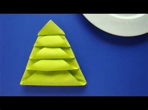 faltanleitung tannenbaum servietten falten weihnachten tannenbaum