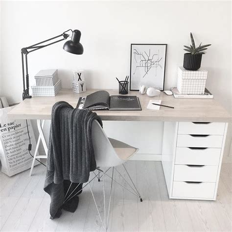 minimalist office desk diy best 25 minimalist desk ideas on desk space