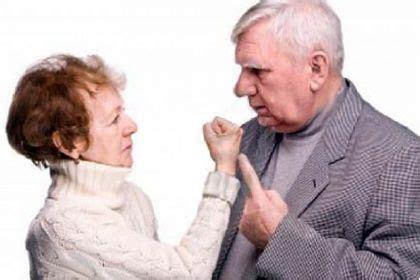in caso di separazione cosa spetta alla moglie separazione riduzione assegno mantenimento anziano salute