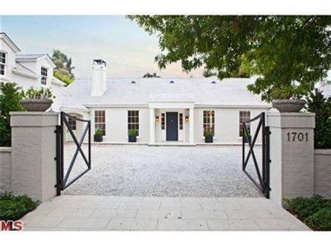 gwyneth paltrow house gwyneth paltrow home a lister sets up c in la photos