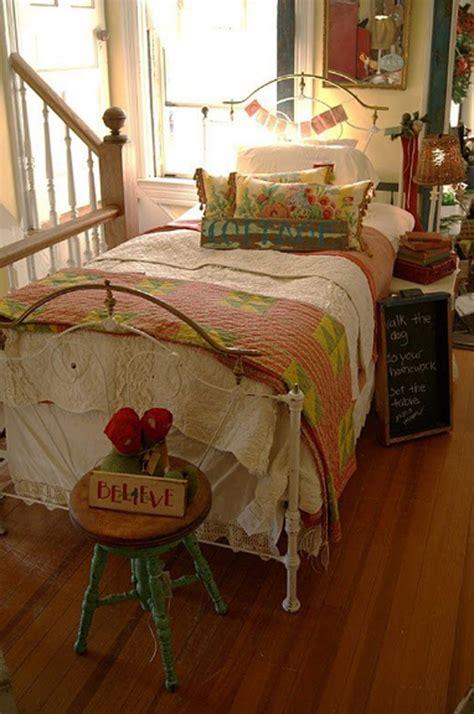 cozy vintage themed bedroom  girls homemydesign