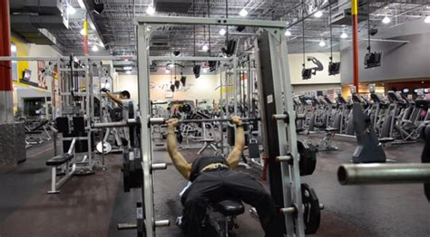 smith machine flat bench press 7 machines you need to master for maximum muscle muscle