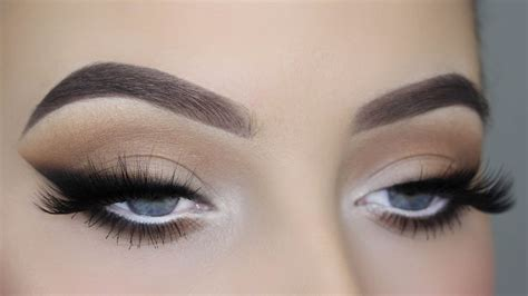 review tutorial eyeliner smoked out winged liner tutorial youtube