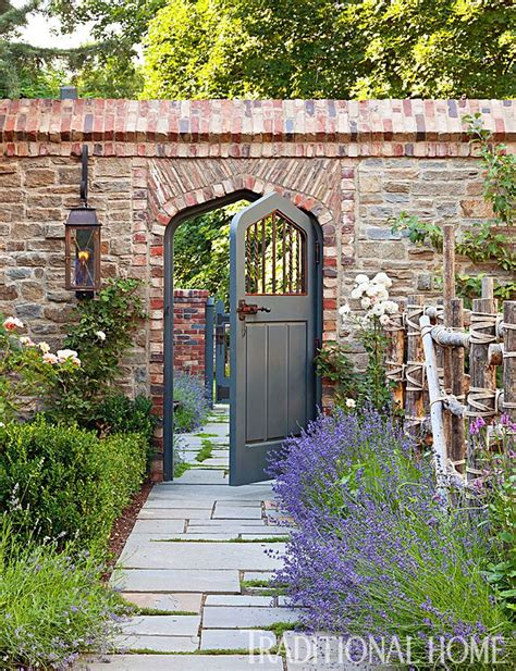 garden walling ideas best 20 brick wall gardens ideas on brick