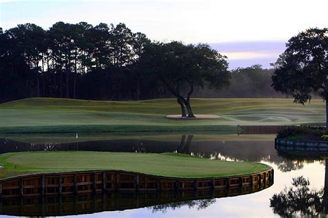 the top 10 golf courses guide to the top 10 golf courses and resorts in florida