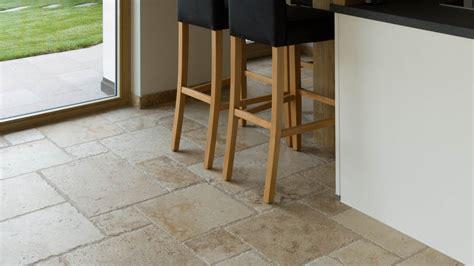 piastrelle pavimenti piastrelle travertino per cucina pavimenti per la cucina